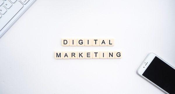 Strategi Pemasaran Online Melalui Teknik Influencer Marketing
